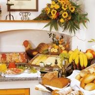 Hotel-Birnbacher-Hof-Fruehstuecksbuffet